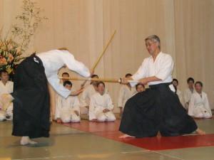 29.01.2005   Maurice démontrant une technique au shinai