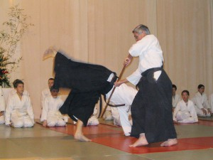 29.01.2005   Maurice démontrant une techinque au bokken
