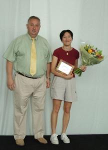 """24.06.2005   Florence récompensée par le CMOM comme dirigeante """"Professeur enfants"""""""